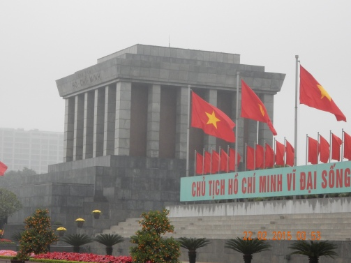 vietnam-hanoi-hochiminhsmausoleum.JPG