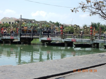 vietnam-hoian-celebrationbridge