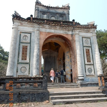 vietnam-hue-tuductomb-1