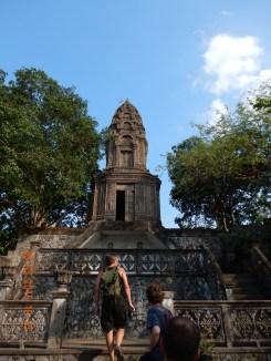 cambodia-battambang-phnomsampeau-3