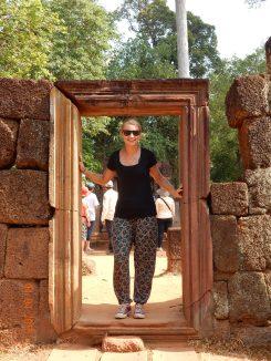 cambodia-siemreap-banteaysrei-2