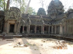 cambodia-siemreap-taprohm-2