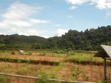 laos-vangvieng-landscape-2