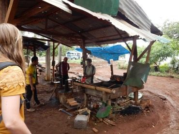 pakse-laos-blacksmith-1