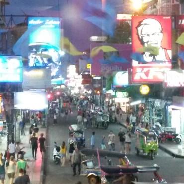 koh-san-road-bangkok-thailand-atnight-2