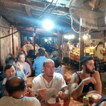 luangprabang-streetbuffet-1