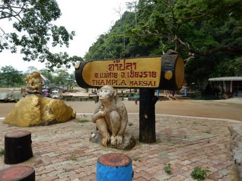 chiangrai-thailand-monkeytemple-1