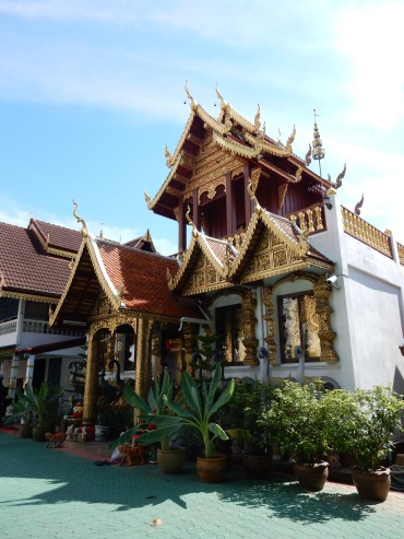 chiangrai-thailand-watklangwieng-1
