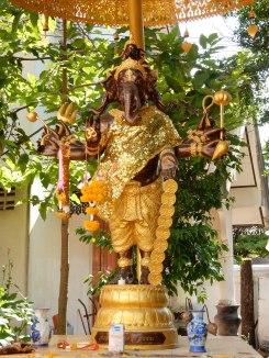 chiangrai-thailand-watphrasingha-1