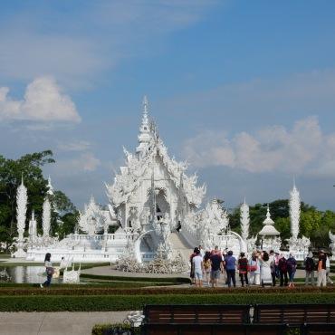 chiangrai-thailand-whitetemple-2