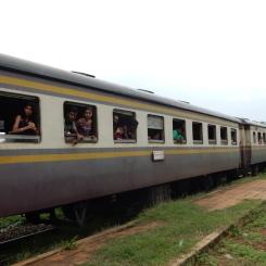 kanchanaburi-historicaltrain-4