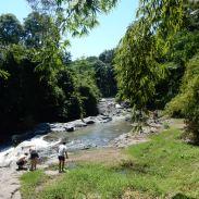 ubud-bali tegenungan waterfall 04