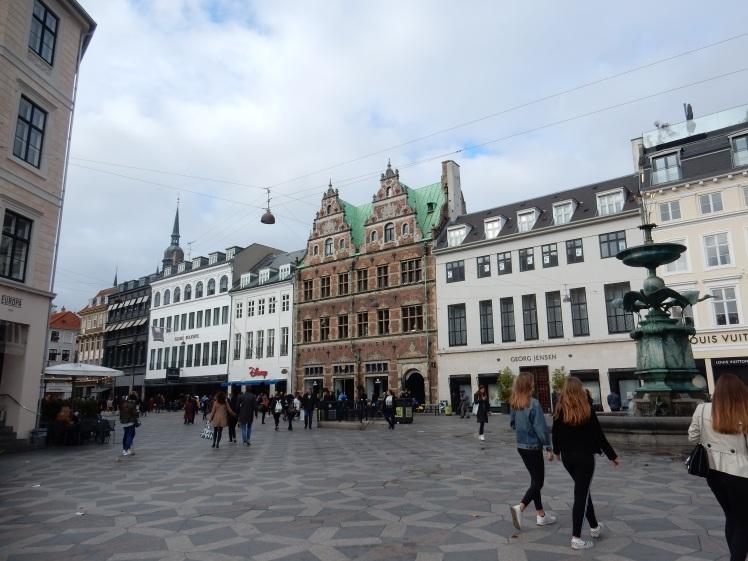 travelguide-copenhagen-stroget (1)
