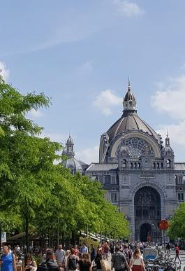 travelguide-antwerp,belgium-centraalstation (1)