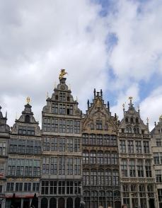 travelguide-antwerp,belgium-grotemarkt (1)