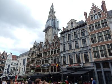 travelguide-antwerp,belgium-grotemarkt (2)