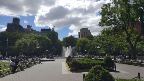 tips-newyorkparks-washingtonsquarepark (1)